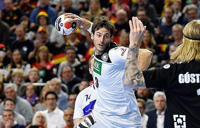 Bild zeigt Deutschlands Handball-Star Uwe Gensheimer © Martin Meissner / AP / picturedesk.com